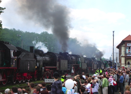 steam_parade