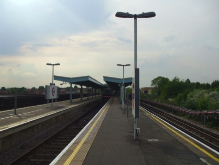 greenford_eastbound_look_west